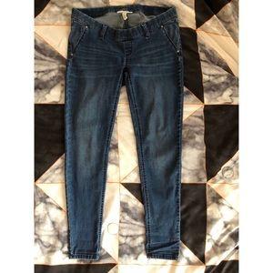 Jessica Simpson Maternity Skinny Jeans